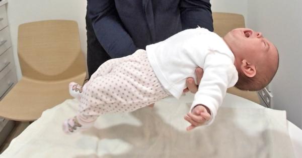 Reflejos de Moro en un bebé